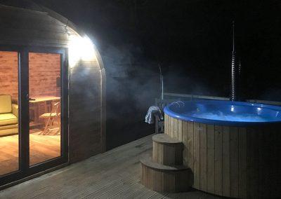Hot tub at Kendoon Cabin